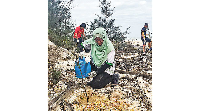 SCB, Green Brunei hold tree-planting campaign at Berakas Forest Reserve